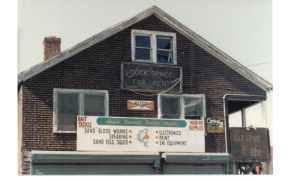 Bait and Booze: The old Bridge Cafe, 1988. I did my underaged drinking there, but don't blame the owners. My fake ID was excellent. ©narrowbackslacker